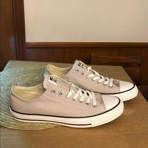 Converse size 9 for men new without box